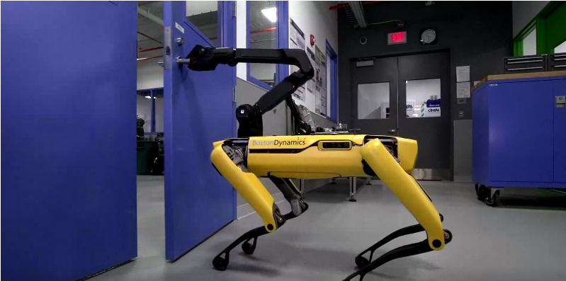 thoriumaplus-robot-otvara-vrata
