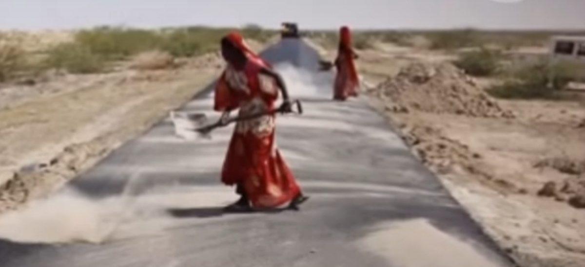 Indijski ribari vade plastični otpad iz mora koji se zatim koristi za izgradnju cesta