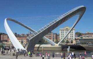 thoriumaplus_Gateshead_millennium_bridge_open