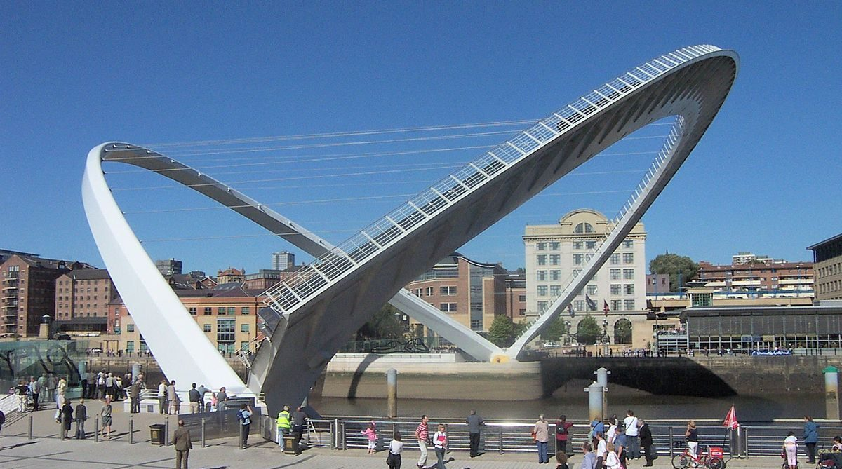 Dizanje i spuštanje mosta Gateshead Millennium Bridge – GIF